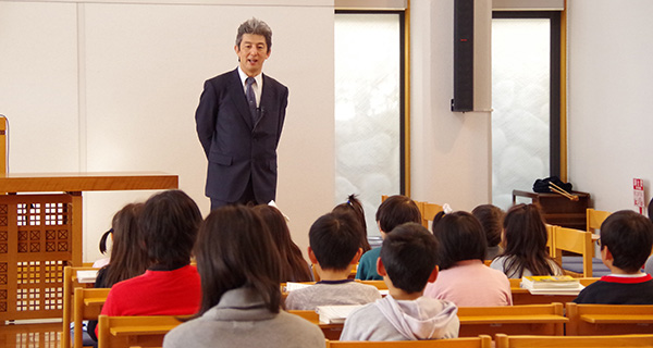 聖書学校礼拝風景